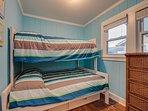 2nd Floor Bedroom 1/1 Full & 1 Twin