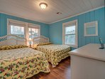 2nd Floor Bedroom w/2 Queens