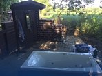 Take your shower in your private outdoor shower or jet tub and listen to woodland sounds & smells