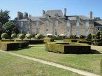 chateau de la ballue, 2km away