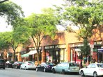 Walking distance to the main street (Gramatan Ave.) for breakfast, or dinner with live music
