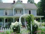 Victorian Farmhouse only 6 mi. from Damascus, 3BR Suite plus 1 BR down the hall. Private andSpacious