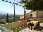 Terrasse avec vue sur la vallée de la Durance