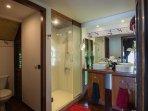 bath room luxe