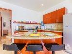 Kitchen island/bar