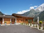 Marmotte Mountain Eco Lodge - entrance - Chamonix