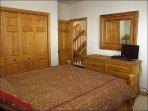 Bedroom 2 showing TV