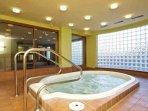 Eagle lodge common hot tub