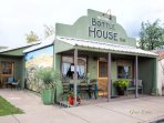 The Downtown Bottle House BnB is a luxurious art filled 4 bed/3 bedroom home - complete privacy !