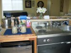 Kitchenette Unit: Stove top and Sink