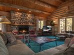 Lenawee Log Home - Free Lift Tickets with the rental of this log home!