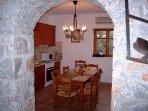 Archway to kitchen / diner