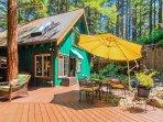 Fern Woods, Guerneville Cabin, Dog Friendly, Decks, Spa