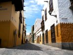 BEAUTIFUL, TRENDY OLD TOWN, VEGUETA!