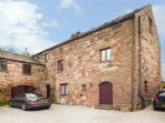 BARLEY COTTAGE  spacious accommodation, woodburner, en-suite, garden, Appleby-in-Westmeoland, Ref 936568