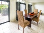 1 bedroom apartment. Beautiful, romantic palm cove resort accommodation great for honeymooners!
