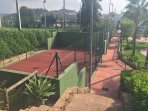 Complex paddle tennis courts