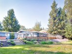Comfy Sonoma Wine Country Home w/ Hot Tub