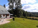 Maison et jardin gite Loupradelou Narnhac Cantal
