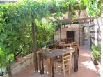 Esterno Osteria Sottocasa ristorante tipico adiacente  alla casa  Acquamarina