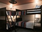 4 twin bunk beds, AC, Monitor with DVR