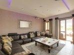 Superb lounge