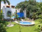Casita Salate, Romantic Garden Getaway