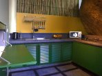 Tropical style fitted kitchen