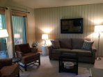 Lovely wooded condo in the woods - Watch deer from the living room