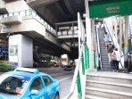 5 minutes away to BTS Sky Train at Thonglor station - Being transferred by our Thai electric vehicle