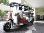 Inclusive shuttle Tuk Tuk service to take you to the closet sky train station (BTS Thonglor)
