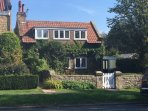 GROVE COTTAGE SCALBY SCARBOROUGH, A STUNNING BEAUTIFUL HOME