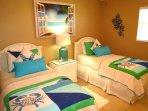 The twin Bedroom!!