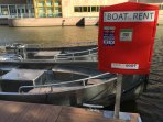 Electric boat rental 40 mtrs from apartment