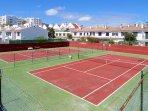 Zona de tenis para los amantes de este deporte.