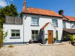 JO'S PLACE, cosy ground floor cottage, wet room, open plan living, great base for couples, in Briston, Ref 943711