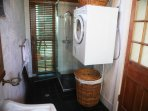 Bathroom and full laundry facilities: Asco washing machine