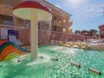 Detalle del parque acuático infantil.