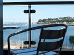 Great Cardiff Bay Views from your  Balcony! Free parking! Free Wi-Fi