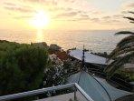 Ηλιοβασίλεμα θέα από το επάνω βεράντα