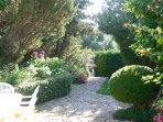Είσοδος στον κήπο και τη βεράντα