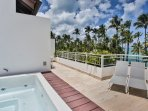Jacuzzi on the terrace (3rd floor, Penthouse)