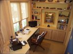 Study/office with WiFi/Printer/Fax