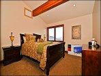 4th Bedroom with Queen Bed/Bath/Flatscreen