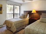 4th Bedroom with 2 double Beds/deck