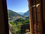 From the livingroom at 1. floor you enter a small Prosecco terrace with stunning views.