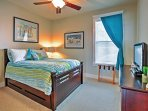 You can find a twin-sized trundle bed in this room, creating comfortable sleeping arrangements for 3.