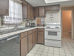 This fully equipped kitchen comes complete with everything you need to prepare your favorite meals.