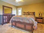 You'll find queen-sized beds in several of the bedrooms.
