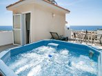 Your own Private Hot Tub on the Roof Terrace